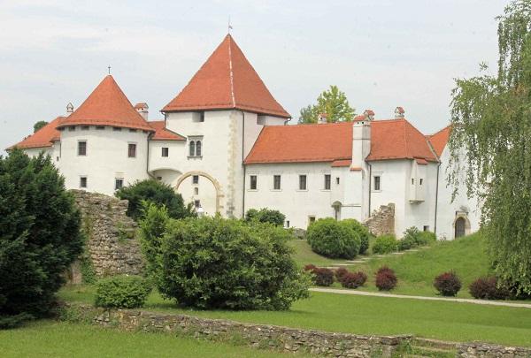 zago23m Varazdin castello