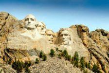 Lifting per il memoriale dei 4 Presidenti nelle Black Hills del South Dakota