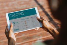 Il viaggiatore d'affari mangia in modo più sano mentre è in viaggio. Lo dice una ricerca CWT