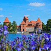La Lituania torna ad accogliere i turisti italiani